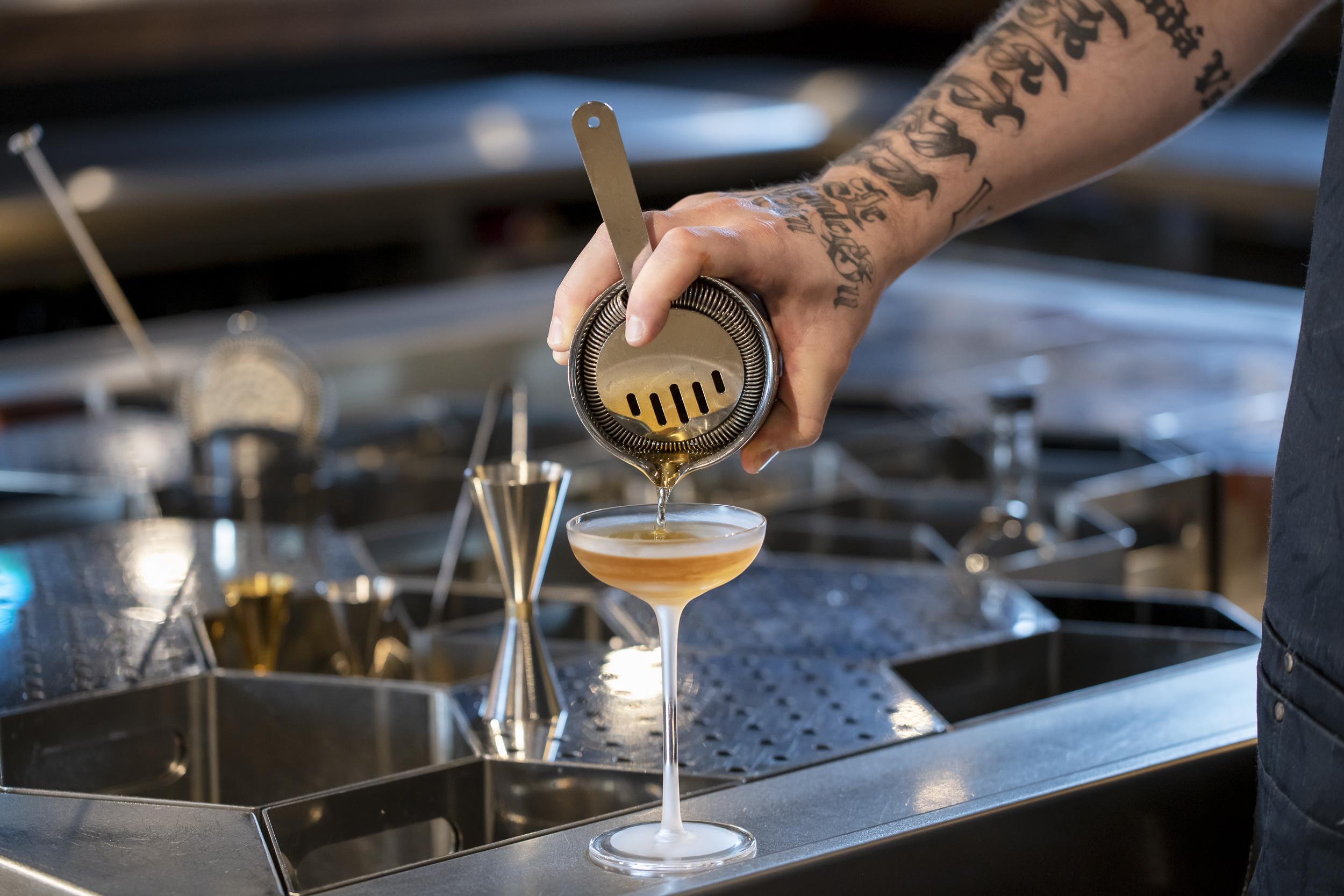 Bartender Balance: J