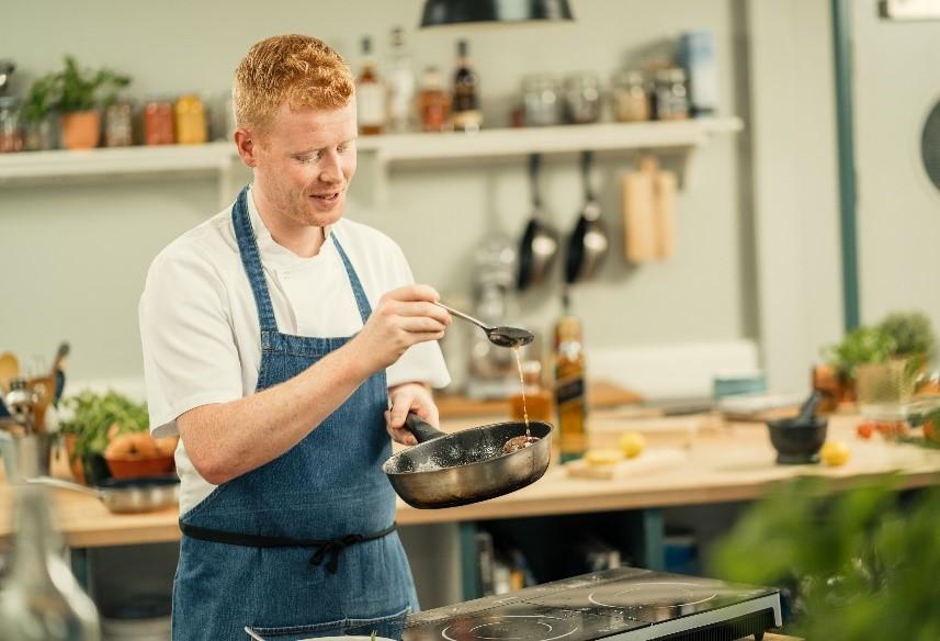 Cuando la cocina se encuentra con la barra: consejos de expertos