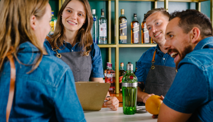 BAR CHAT: HOW TO NURTURE HAPPY & SUCCESSFUL TEAMS