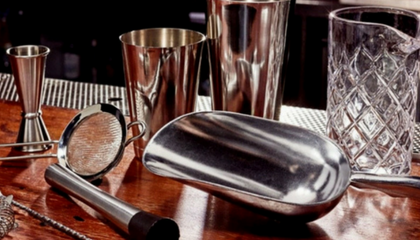 ESSENTIAL BAR SKILLS: BAR TOOLS