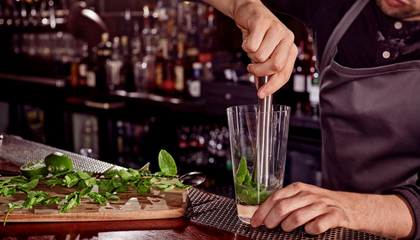 ESSENTIAL BAR SKILLS: MUDDLING